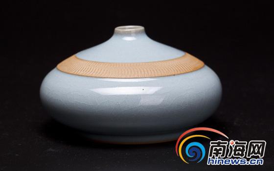 汝州陶瓷艺术作品展走进澄迈 展出精品汝瓷128件
